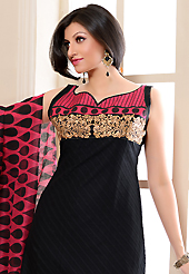 Outfit is a novel ways of getting yourself noticed. The dazzling black cotton jacquard churidar suit have amazing block print and embroidery patch work is done with resham work. The entire ensemble makes an excellent wear. Matching cambric cotton churidar and pink and black super net dupatta is available with this suit. Slight Color variations are possible due to differing screen and photograph resolutions.