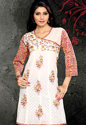 Stylish and pretty cotton kurti is nicely designed with floarl pattern resham embroidred motifs with contrasting printed slevees. Stylish choli patch and color combination of this kurti is nice. It's a casual wear drape. Bottom shown in the image is just photography purpose. Slight Color variations are possible due to differing screen and photograph resolutions.