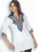 This White cotton tunic has beautiful urban floral patterned embroidery on neckline and sleeves. Embroidery is done with resham. This is a perfect casual wear. Slight Color variations are possible due to differing screen and photograph resolutions.