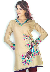This Fawn cotton tunic is designed with resham embroidery work on all over in floral and paisley patterns. This is a perfect casual wear. Slight Color variations are possible due to differing screen and photograph resolutions.