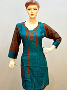 Graceful and stylish kurti is awesomely designed with floral printed sleeves and piping work on neckline and kurti. Color combination of this kurti is nice. It's a casual wear drape. Slight Color variations are possible due to differing screen and photograph resolutions.
