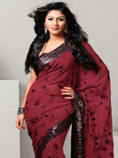 Adorn your look with saesonable fashion in printed with light chiffon sarees with awesome matching blouse