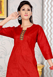 The traditional patterns used on this kurti maintain the ethnic look. This simple and pretty kurti has beautiful embroidery patch work. Embroidery patch is done with sequins and stone work. This drape material is cotton. The entire ensemble makes an excellent wear. This is a perfect casual wear readymade kurti. Slight Color variations are possible due to differing screen and photograph resolutions.
