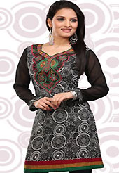 This black and off white american crepe readymade tunic is nicely designed with abstract, geometric print and patch work. This is a perfect casual wear readymade kurti. Bottom shown in the image is just for photography purpose. Minimum quantity order 12pcs in each style. Slight Color variations are possible due to differing screen and photograph resolutions.